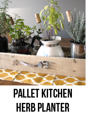 PALLET KITCHEN HERB PLANTER-01
